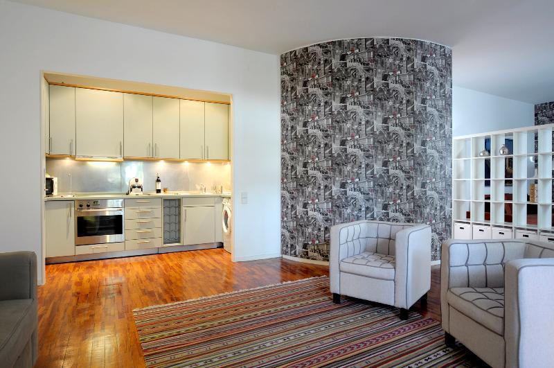 living room and kitchen - Alfama/Cathedral Duplex - Lisbon - rentals