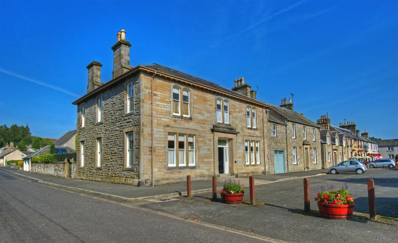 Welcome to Dalkeith House, heart of the small village close to restaurants, pub, cafes, riverside - Dalkeith House slps 10,  5* Lux,  Scottish Borders - Newcastleton - rentals