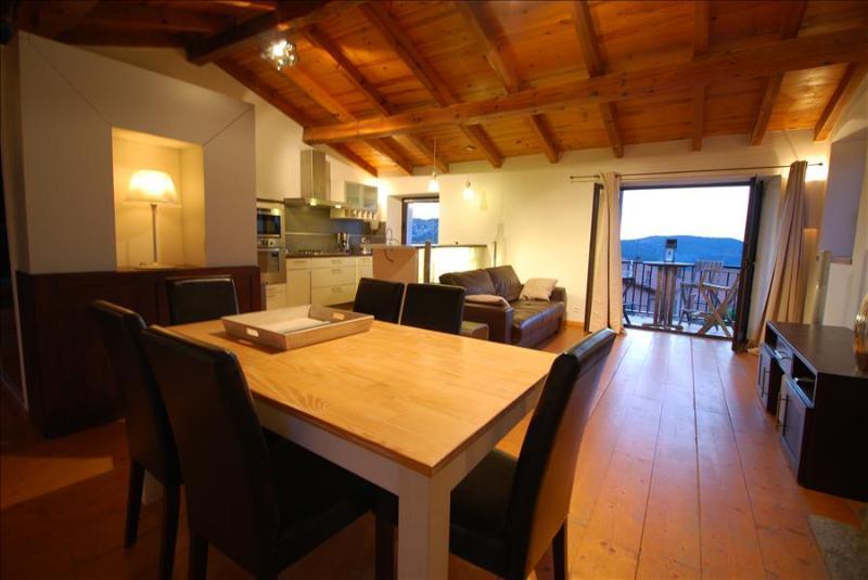 """Très bel appartement """"celu"""" : équipement luxueux et très belle vue, ambiance chaleureuse du village - Image 1 - Calenzana - rentals"""