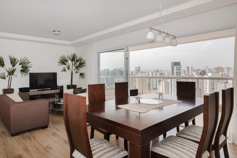 Bright 3 Bedroom Apartment in Vila Olimpia - Image 1 - Sao Paulo - rentals