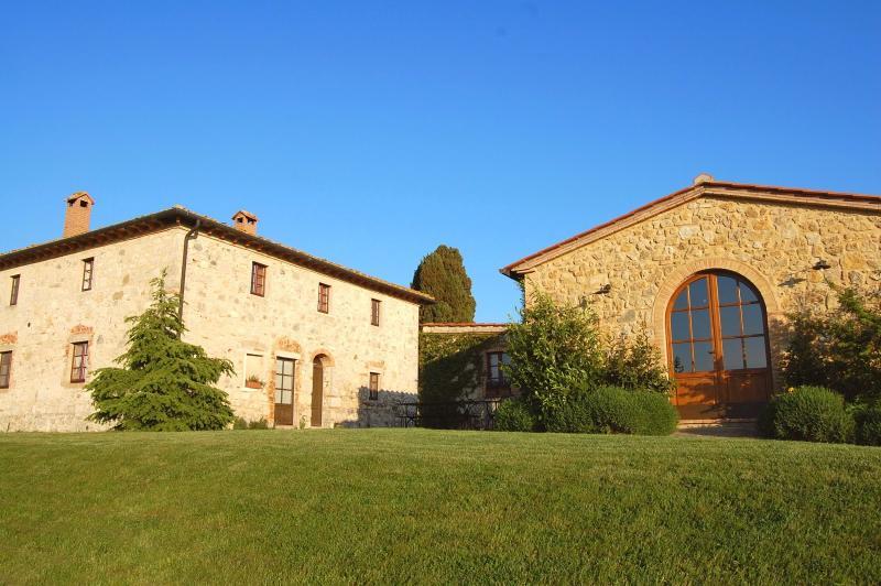 4 bedroom Villa in Volterra, San Gimignano, Volterra and surroundings, Tuscany - Image 1 - Castel San Gimignano - rentals
