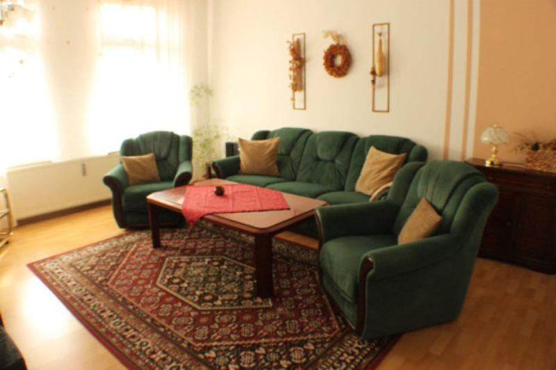 Living Room (1) - Vacation Apartment in Wernigerode - 1076 sqft, central, elegant, modern (# 3984) - Wernigerode - rentals