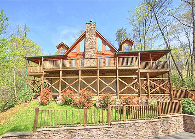 Gatlinburg luxury cabin  BEARFOOT LODGE #420 - Image 1 - Gatlinburg - rentals