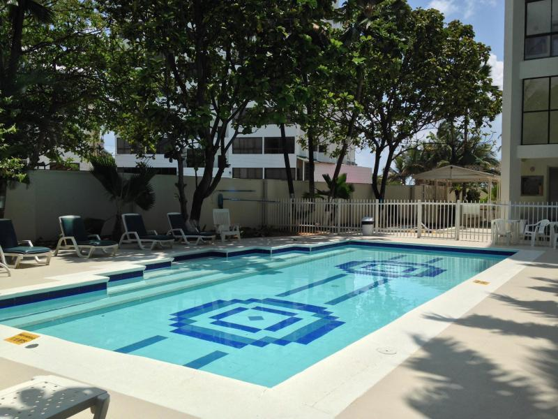 PISCINA INTERNA - SAN ANDRES  APARTAMENTO BAY POINT CERCA A LA PLAYA - San Andres Island - rentals