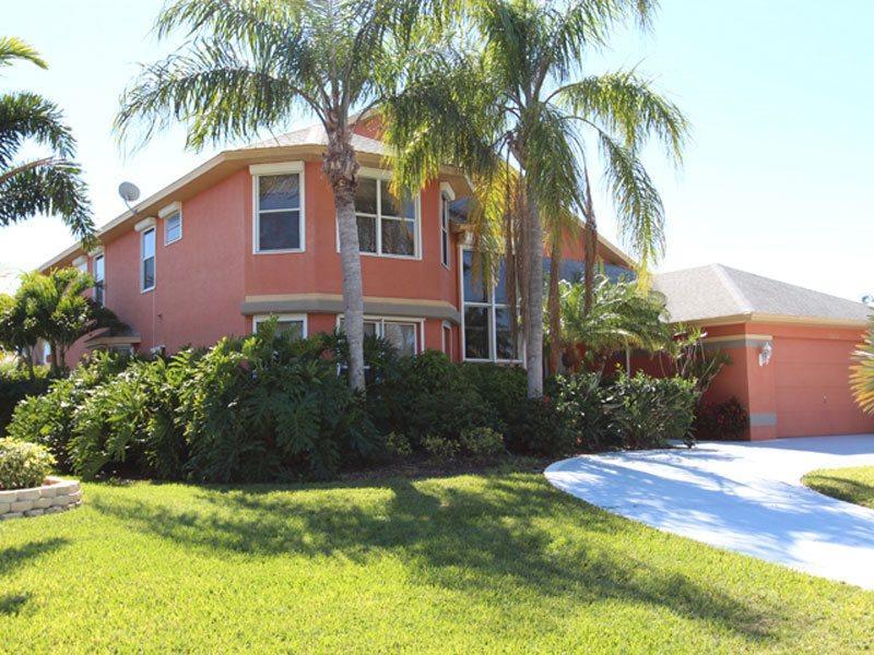 Front entrance - Villa Arcadia - Cape Coral - rentals