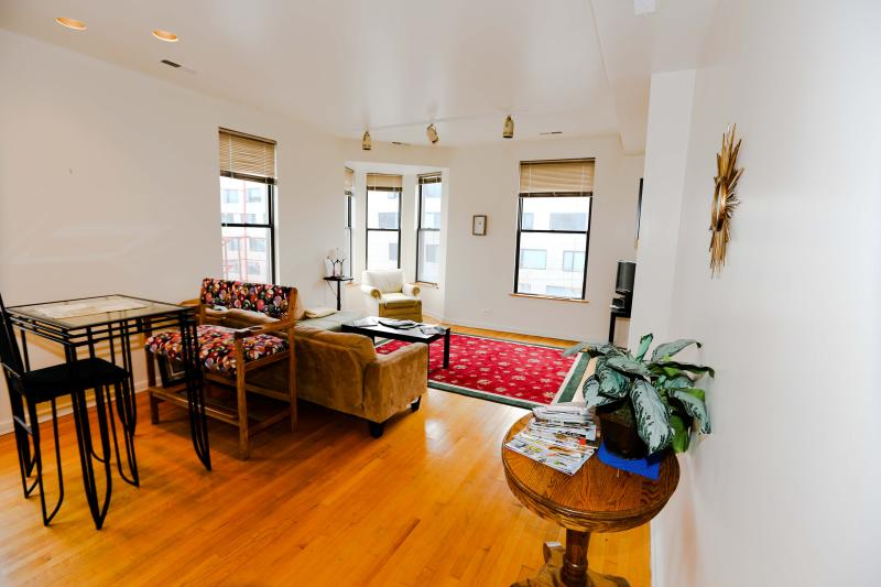 Great Old Town 2br - Image 1 - Chicago - rentals