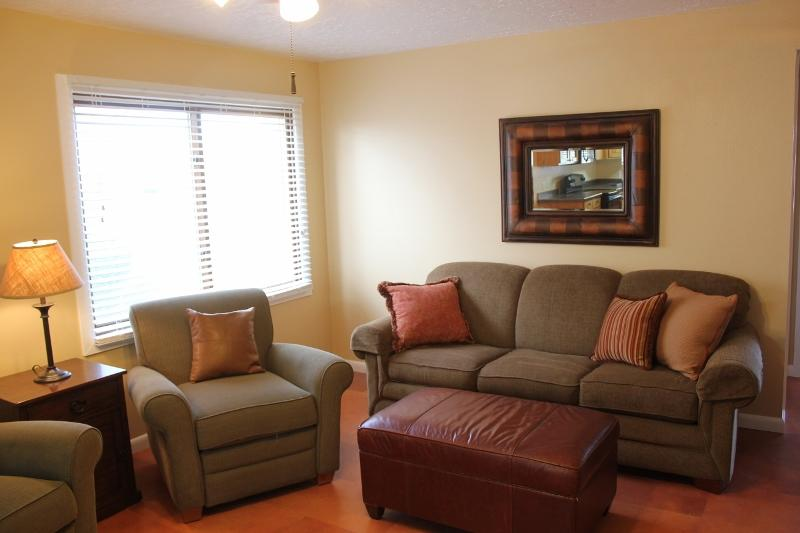 Clean & Cozy - 2 Bedroom Condo in Sports Village - Image 1 - Saint George - rentals