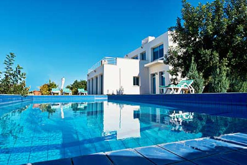 LUXURY 5*  3 Bedroom Villa with Large Private pool - Image 1 - Kyrenia - rentals