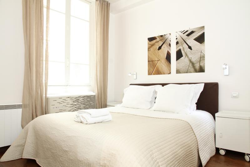 07. Luxury Apartment In The Heart Of Paris-Marais - Image 1 - Paris - rentals