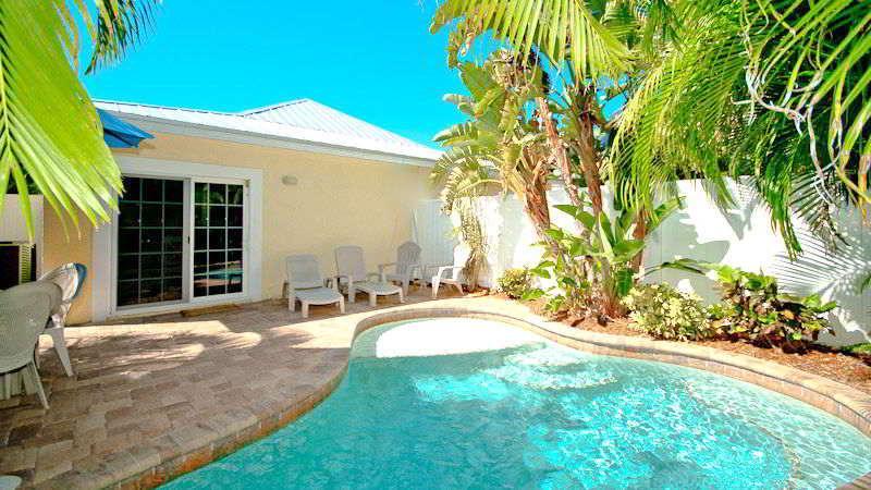 Pool 1 - BEACHDAZE - Holmes Beach - rentals