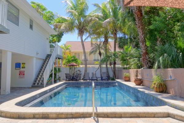 Pool 1 - SEABREEZE D - Holmes Beach - rentals