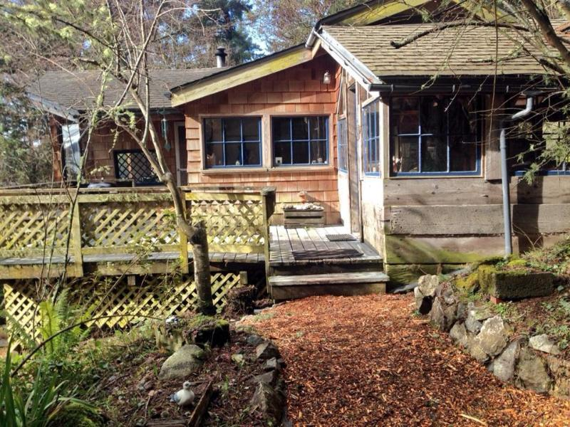 Cabin entrance - Westcott Woods - A San Juan Island Waterview Cabin - Friday Harbor - rentals