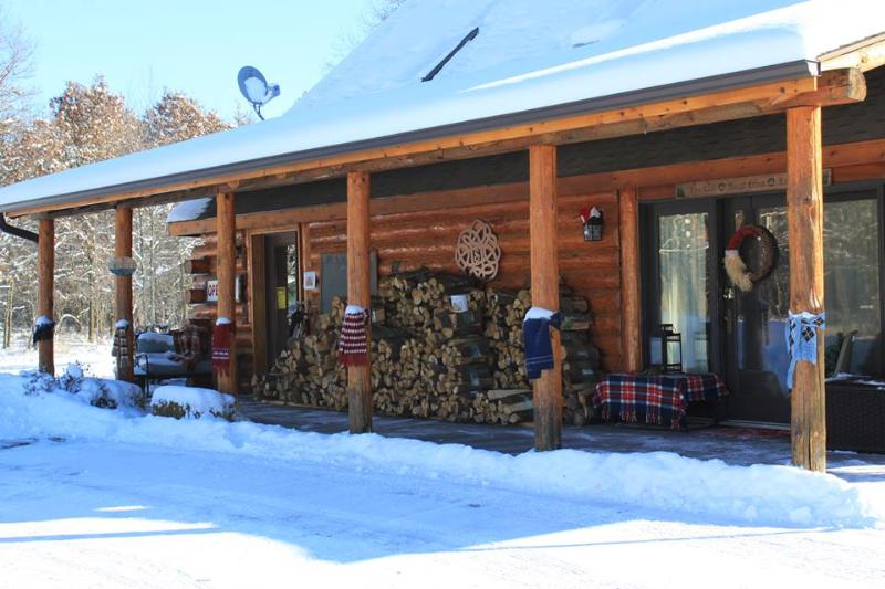 Dressed up for winter! Come inside and get warm by the fireplace. - The Lodge - New Lisbon - rentals