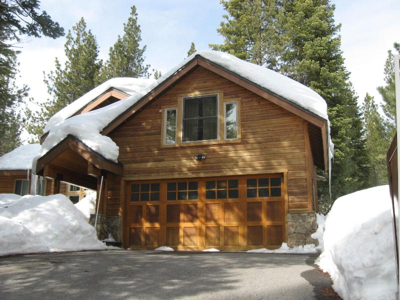 Front Winter - Tahoe Donner Spacious Cabin in a Pine Forest: WiFi - Truckee - rentals