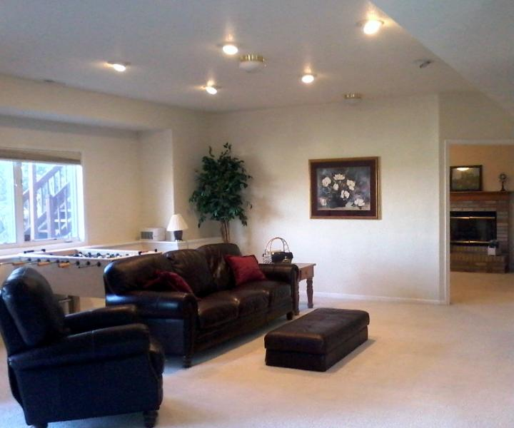 Living room with view of city - Colorado Springs/USAFA Foothills Paradise - Colorado Springs - rentals