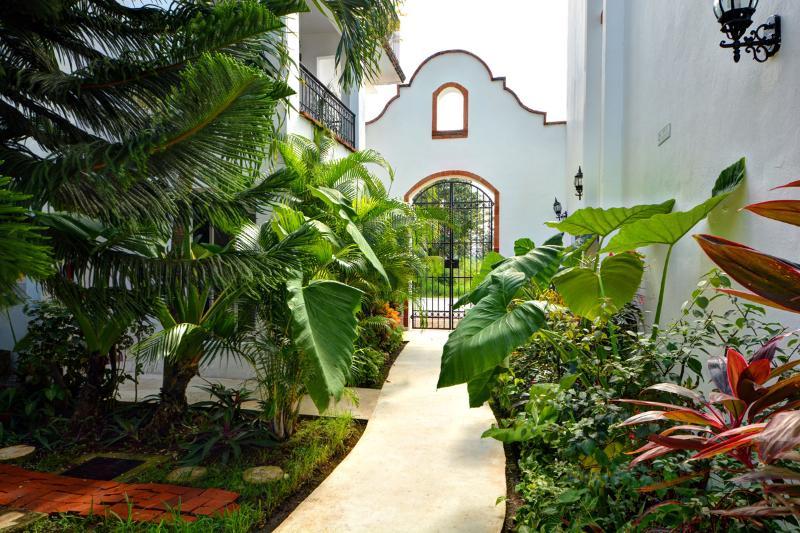 Gaviotas Entrance - Gaviotas - Las Flores Properties  Great Deal!! - Playa del Carmen - rentals