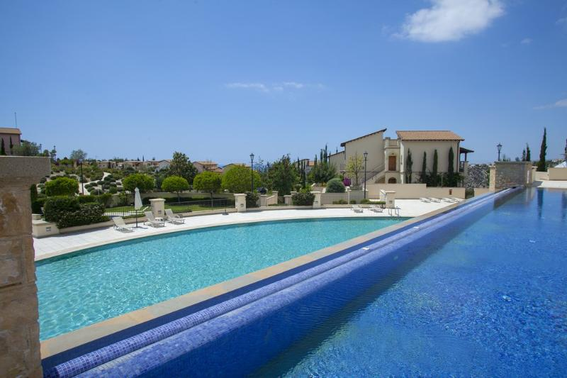 PAH1 Apollo Heights Golf Suite - Image 1 - Paphos - rentals