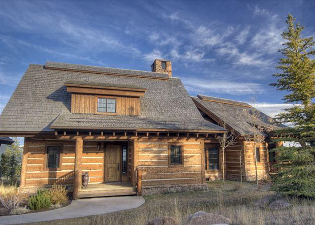 Luxury 4+ Bedroom Mountain Cabin Near Yellowstone: Private Club Ammenities - Image 1 - Big Sky - rentals