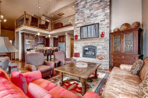 Open concept mountain contemporary home, floor to ceiling stone fireplace, high quality furnishings & fixtures throughout. - Deer Valley Vista - Heber - rentals