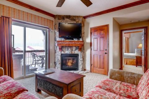 Westgate 4 Bedroom Snow Meadow features a balcony with private Jacuzzi hot tub, fireplace, flat screen HDTV, queen sofa sleeper and mountain views. - Westgate 4 Bedroom Snow Meadow - Park City - rentals