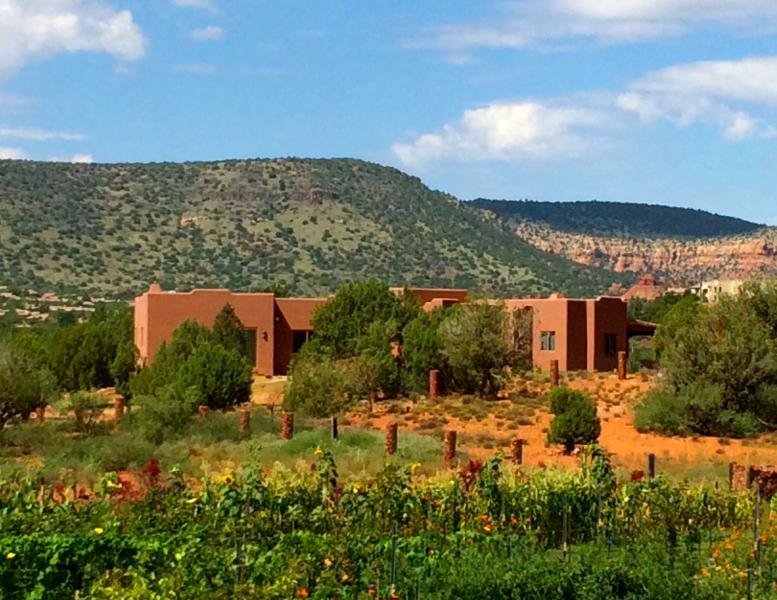Beautifully located on a large private lot with stunning views in every direction - Custom Luxury Estate on Acre Lot, Spectacular View - Sedona - rentals