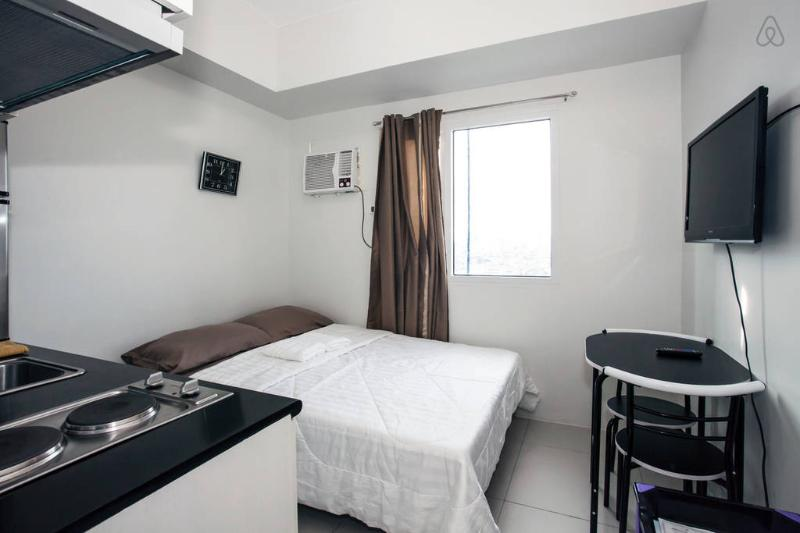 Condo w/ Mall in Makati for long/short term rental - Image 1 - Makati - rentals