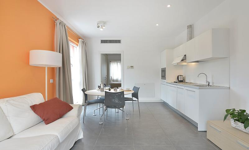 Modern and bright 1bdr w/ terrace - Image 1 - Milan - rentals