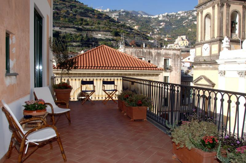 The apartment terrace - Overlooking Ravello and the Minori Basilica - Il Sagrato - Large apartment with terrace - Minori - rentals