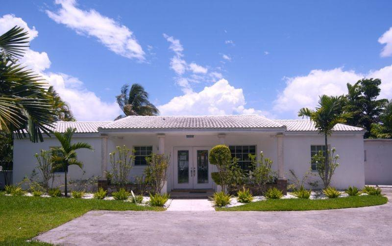 Secluded South Beach Pool Home - Image 1 - Miami Beach - rentals