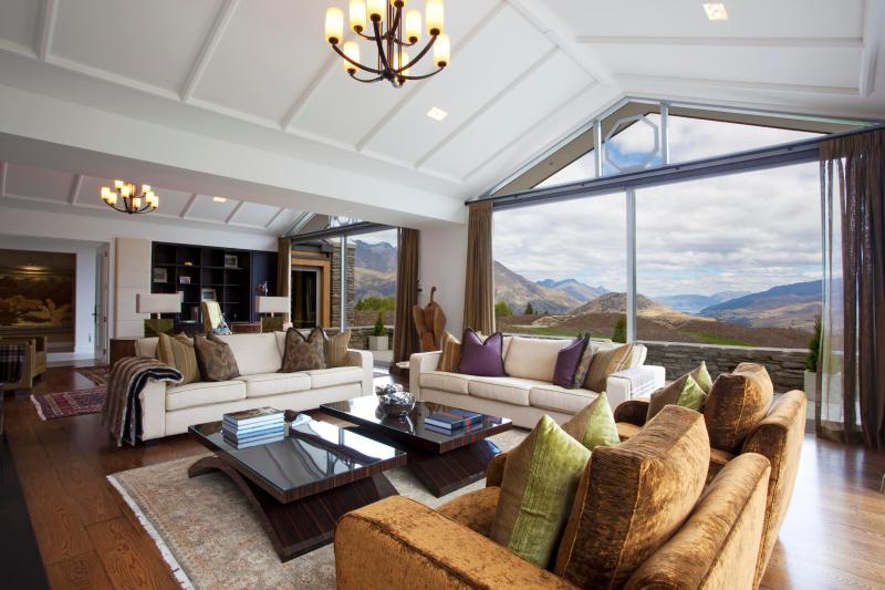 Kumanu Luxury Villa, Queenstown - Image 1 - Queenstown - rentals