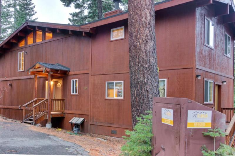 Renovated dog-friendly cabin w/ access to a Tahoe beach, a shared pool & tennis! - Image 1 - Homewood - rentals