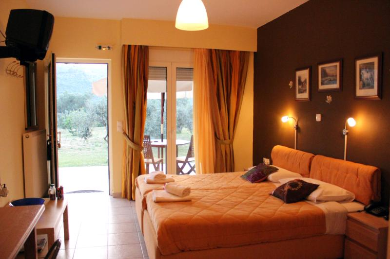 "Double Studio ""Midea"" close to Nafplion - Image 1 - Nauplion - rentals"