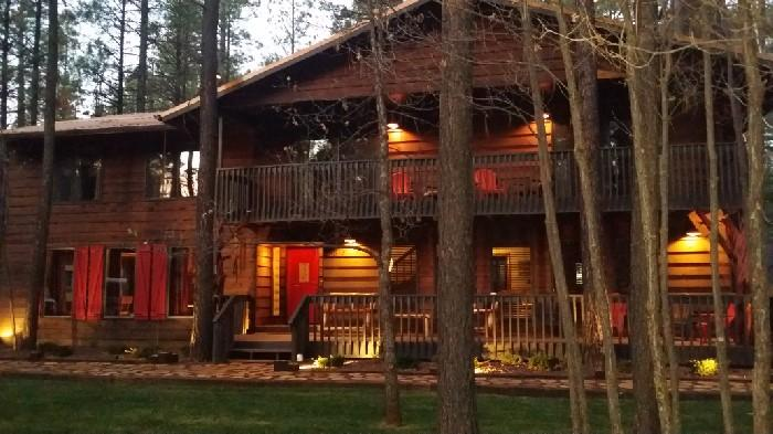 One of a kind 4500 Sq/Ft Cabin Sleeps 28 In Beds - Theater & Pool Table - HUGE Cabin-Movie Theater-Pool Table-sleeps 28-32 - Pinetop - rentals