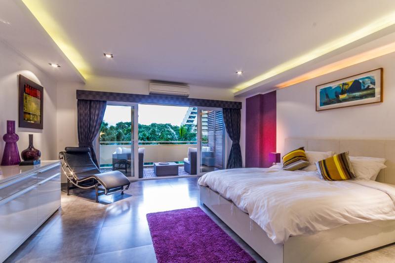 Dasiri Fantastic New and Spacious Flat near Beach - Image 1 - Pattaya - rentals