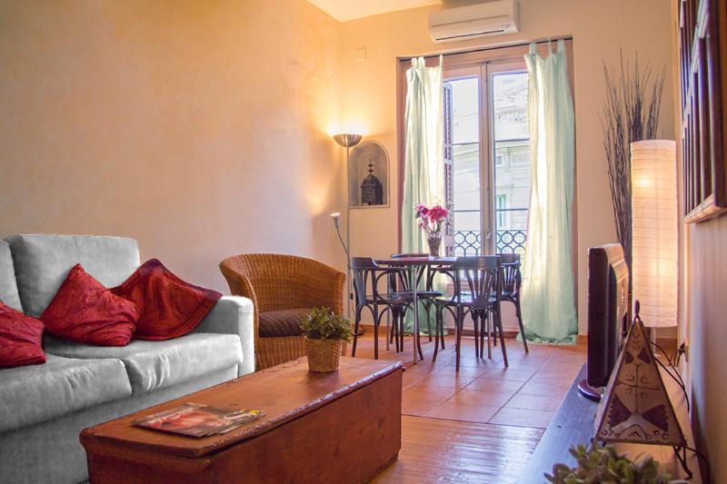 Gaudi-2: Rustic apartment on Rambla Catalunya - Image 1 - Barcelona - rentals