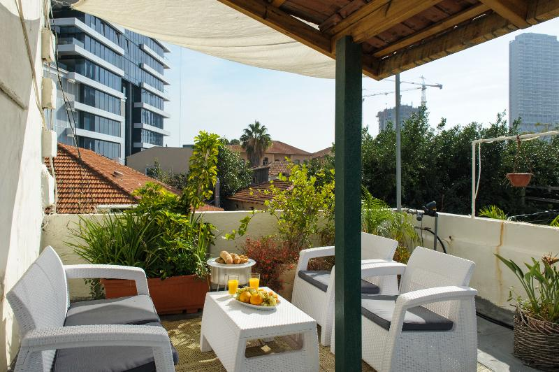Rooftop Apartments with private or shared Terace in Neve Tzedek - Villa Vilina Vacation Apartments in Neve Tzedek - Tel Aviv - rentals