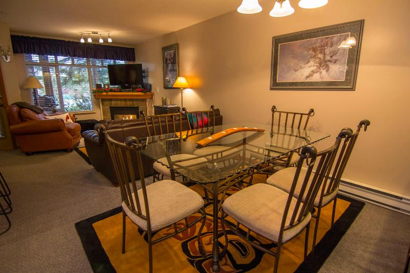 Ground floor living/dining area - Sunpath 49 a 2 bdrm pet-friendly condo in Whistler - Whistler - rentals