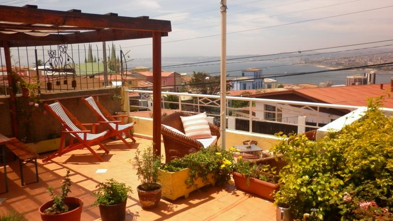 A beautiful view from the terrace - B&B with the best view in Valparaiso - Valparaiso - rentals