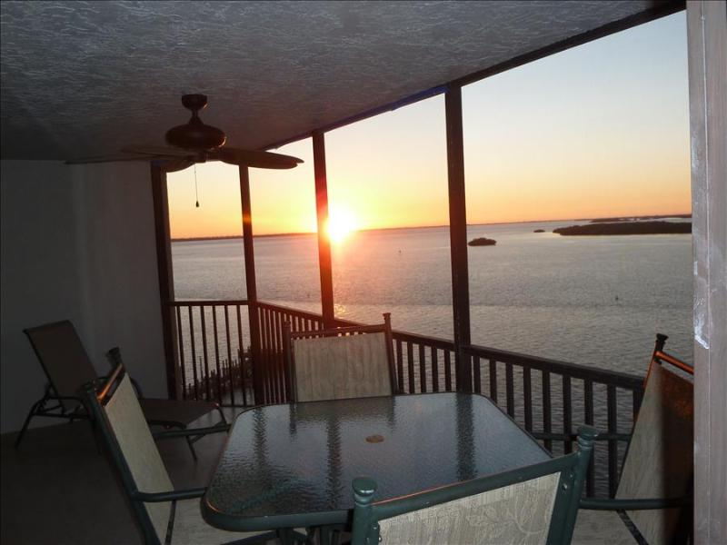 Bay View Tower #1034 - Sanibel Harbour Resort - Image 1 - Fort Myers - rentals