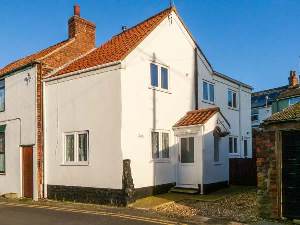 MILTON COTTAGE, close to amenities, family-friendly cottage in Hornsea, Ref 906792 - Image 1 - Hornsea - rentals