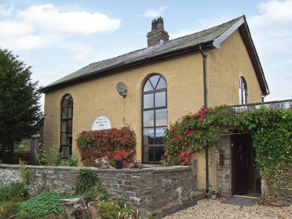 RHULEN OLD CHAPEL, detached, original features, open fire, WiFi, near Painscastle, Ref 911994 - Image 1 - Painscastle - rentals