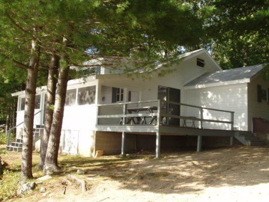 Ossipee Lake home with sunsets and great location! - Image 1 - Ossipee - rentals