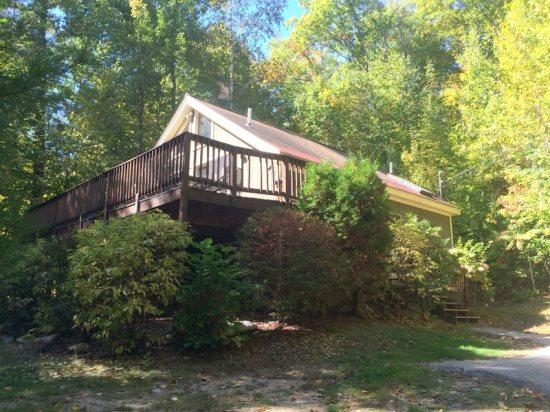 Bright Eidelweiss home - Walk to the Beach in 1 minute. A/C, Wifi and great deck - Conway - rentals