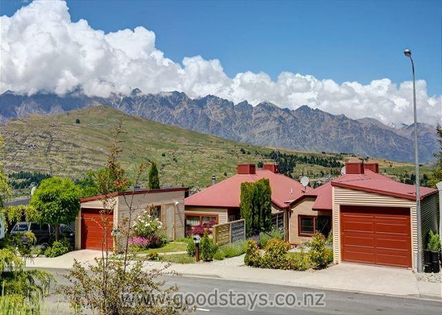 Garden Cottage - Image 1 - Queenstown - rentals