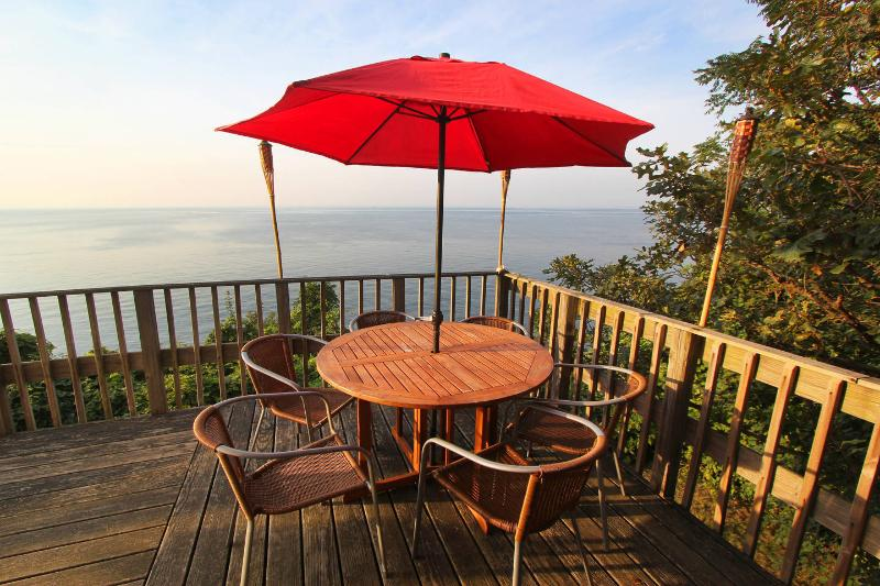 On the Upper Deck - Waterfront Beach House - Long Island North Shore - Sound Beach - rentals