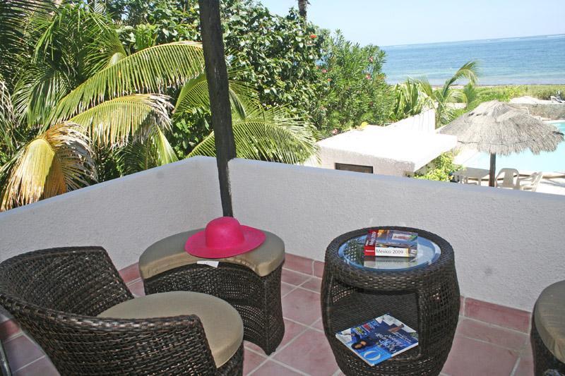 CASA DEL MAR  2 BR condo 2nd level All services ! - Image 1 - Puerto Morelos - rentals