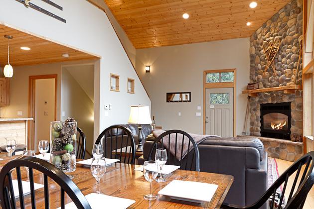 Mountain Chalet, WIFI, Hot Tub, Gated Community, Sleeps 6, Air Hockey Table - Image 1 - Glacier - rentals