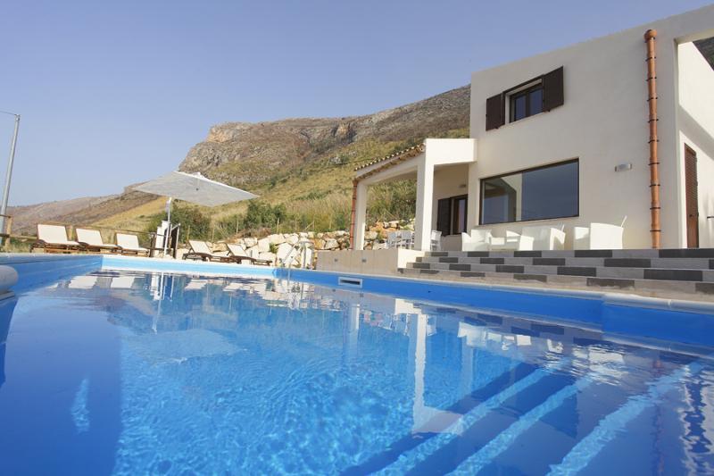 VILLA DANIELA with swimming pool and sea view - Image 1 - Castellammare del Golfo - rentals