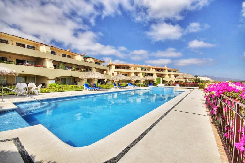 Anclote pool & jacuzzi - Large corner 2 bedroom with beach view - Punta de Mita - rentals