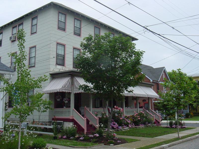 Windsor Avenue Located in the Historical section of Cape May, NJ - 2 blocks to beach-Large Historical home sleeps 34 - Cape May - rentals